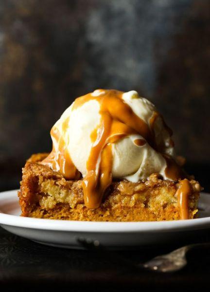 Pumpkin Dump Cake from Cookies & Cups