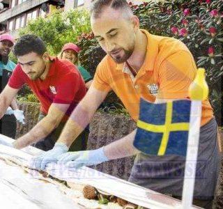 تقديم أكبر «سندويتش فلافل» في العالم بالسويد