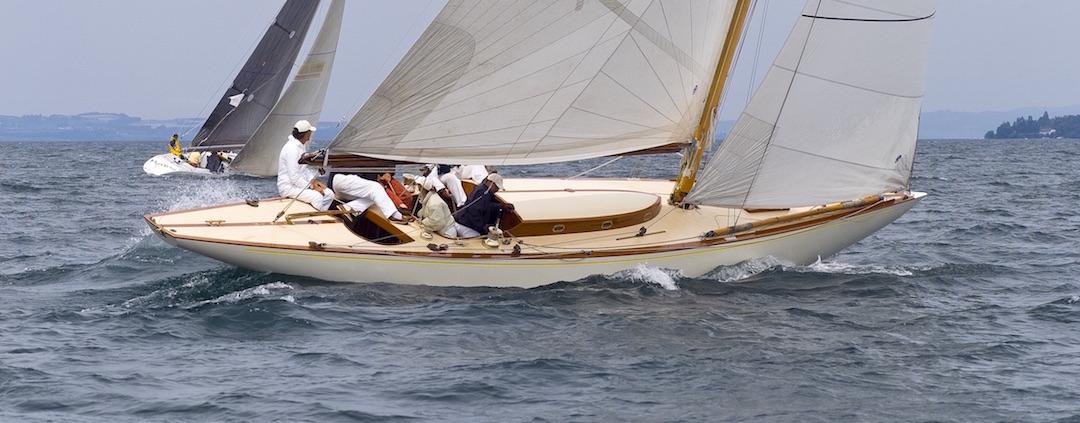 8-mR Class Glana on Lake Geneva © James R. Taylor/sealens.com