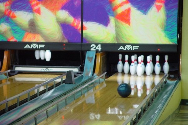 Take AMF Bowling Survey to Get $3 Off Bowling