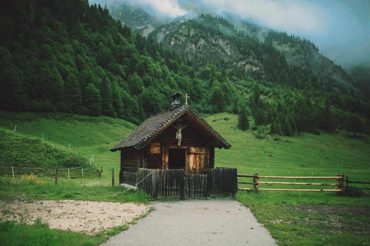 Le maintien à domicile, c'est pouvoir vivre dans un chalet dans la Forêt Noire.