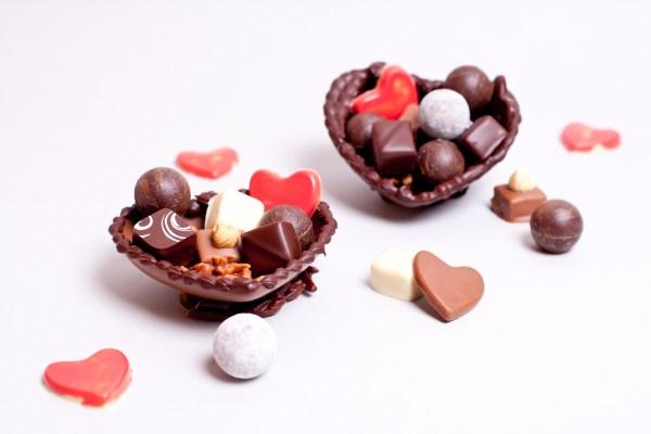 Gefüllte Schokoladenherzen zum Muttertag