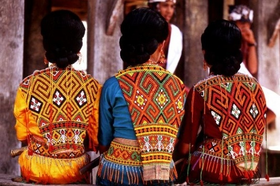 Indonesia-Sulawesi-Toraja_Motif-trekearth.com-bukitgolfb301