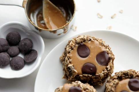 chocolate-peanut-butter-breakfast-bombs-filled-with-peanut-butter