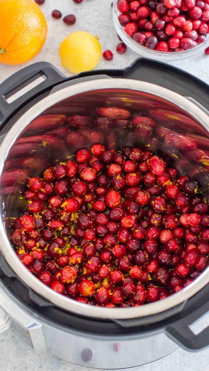 Easy Instant Pot Cranberry Sauce Recipe