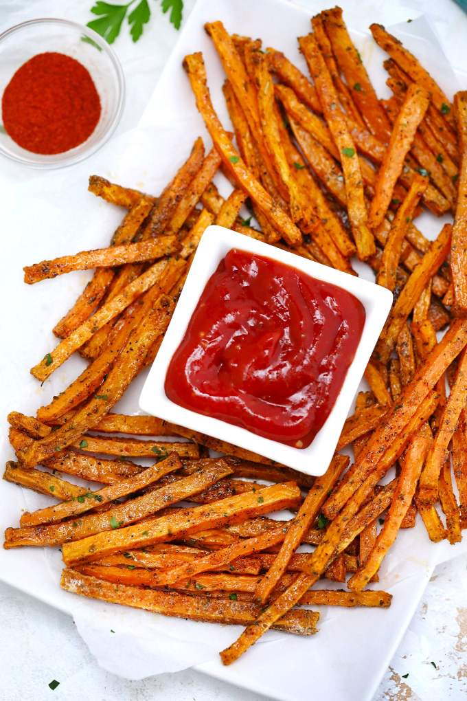 Oven Roasted Sweet Potato Fries are crispy and savory!With proper technique, you can have this satisfying side dish ready in no time! #sweetpotatoes #fries #sidedish #sweetandsavorymeals #sweetpotatofries