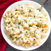 Smoked Gouda & Cheddar Mac N Cheese