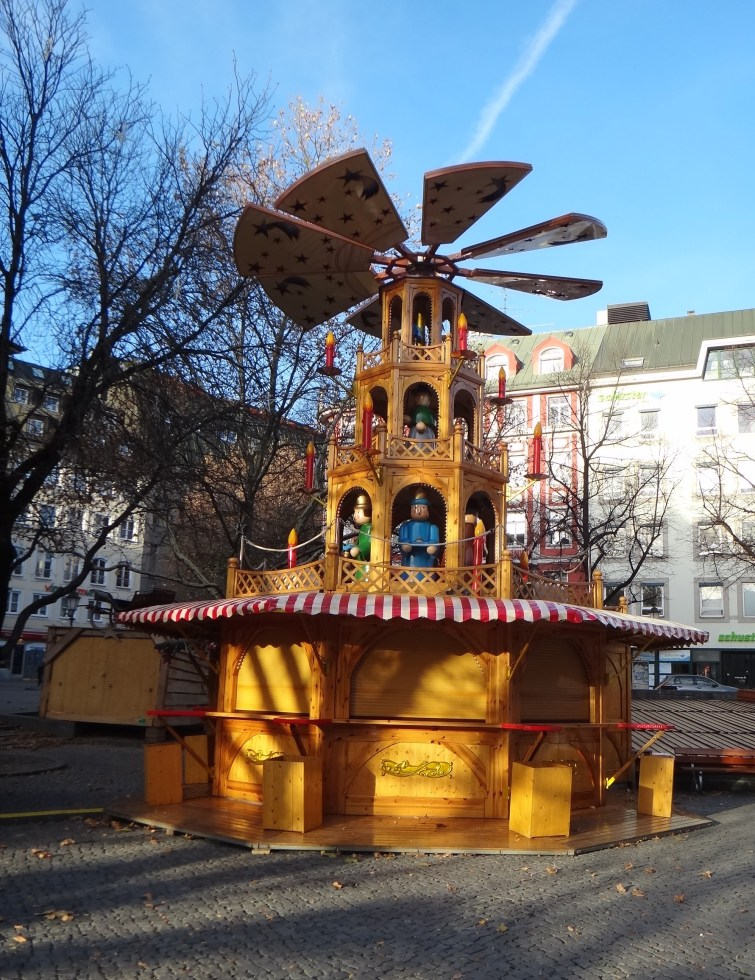 One of my favorite parts of the German Christmas Markets, reminds me of what we put out each year for our celebration.