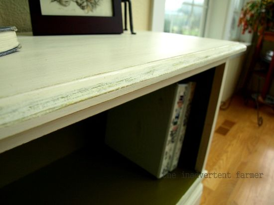 Credenza antique edge paint