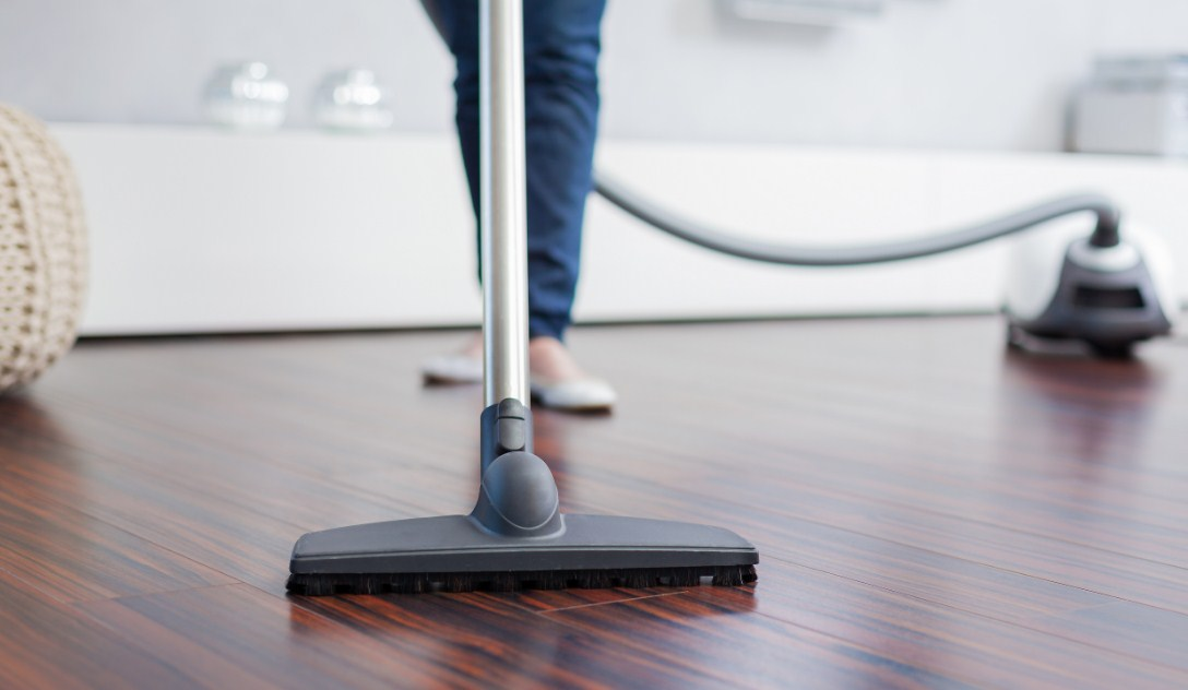 Best Vacuum for Laminate Floors Reviews