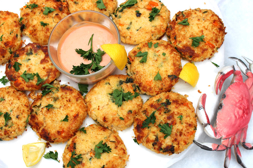 What Can You Eat Crab Cakes With