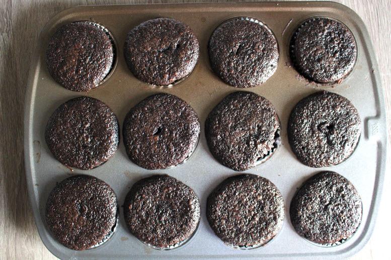 Baked Chocolate Cupcakes