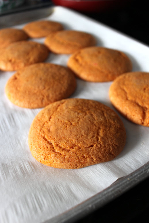 baking pumpkin cookies