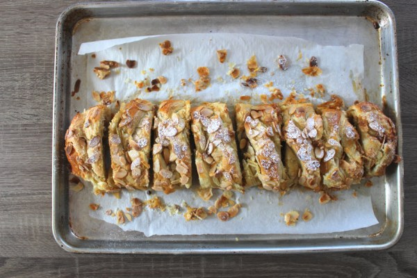 Baked easy almond puff pastry