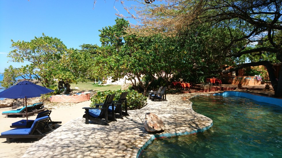 Pool loungers - Jakes Hotel