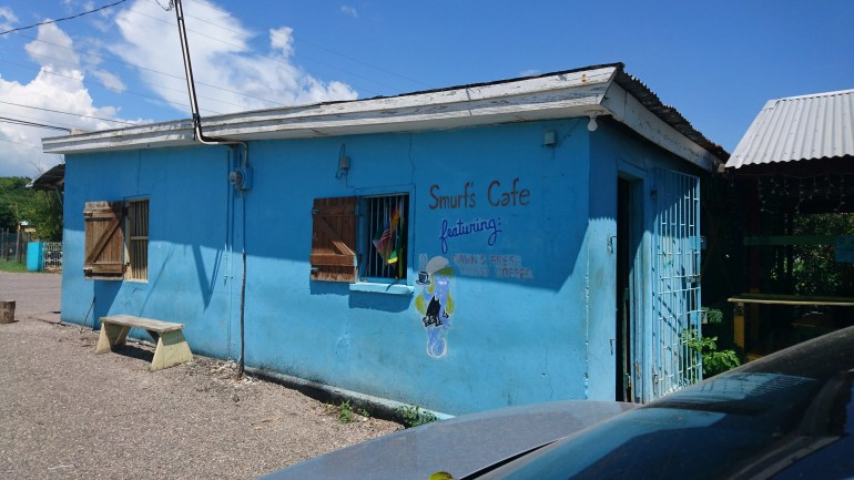 Breakfast at Smurfs Café in Treasure Beach