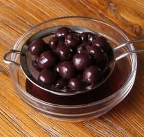Drain cherries, reserve juice