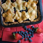 Easy Summer Berry Pie   {Chinet GIVEAWAY}