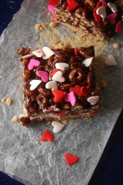 Barras de Cereal y Malvaviscos con Chocolate  receta de sweetlifebake.com