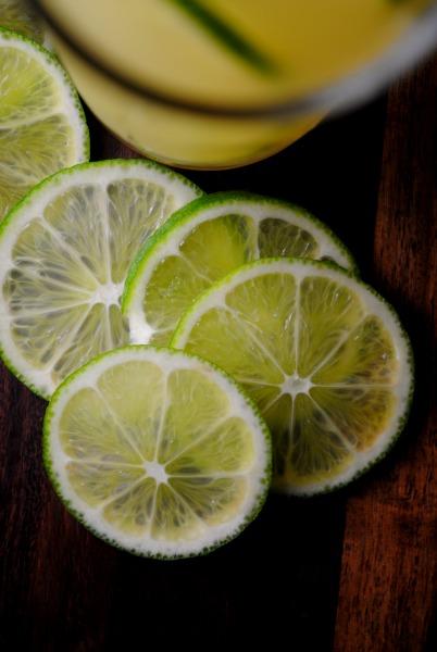 Lime cocktail from sweetlifebake.com