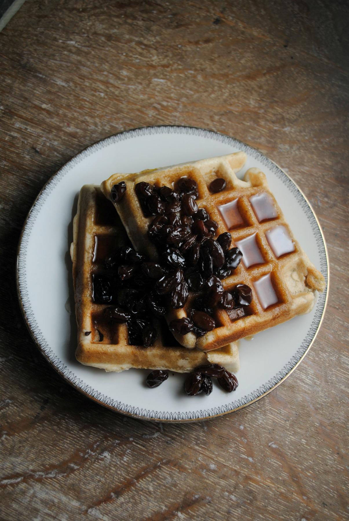 banana-bread-waffles-bourbon-raisin-syrup-VianneyRodriguez