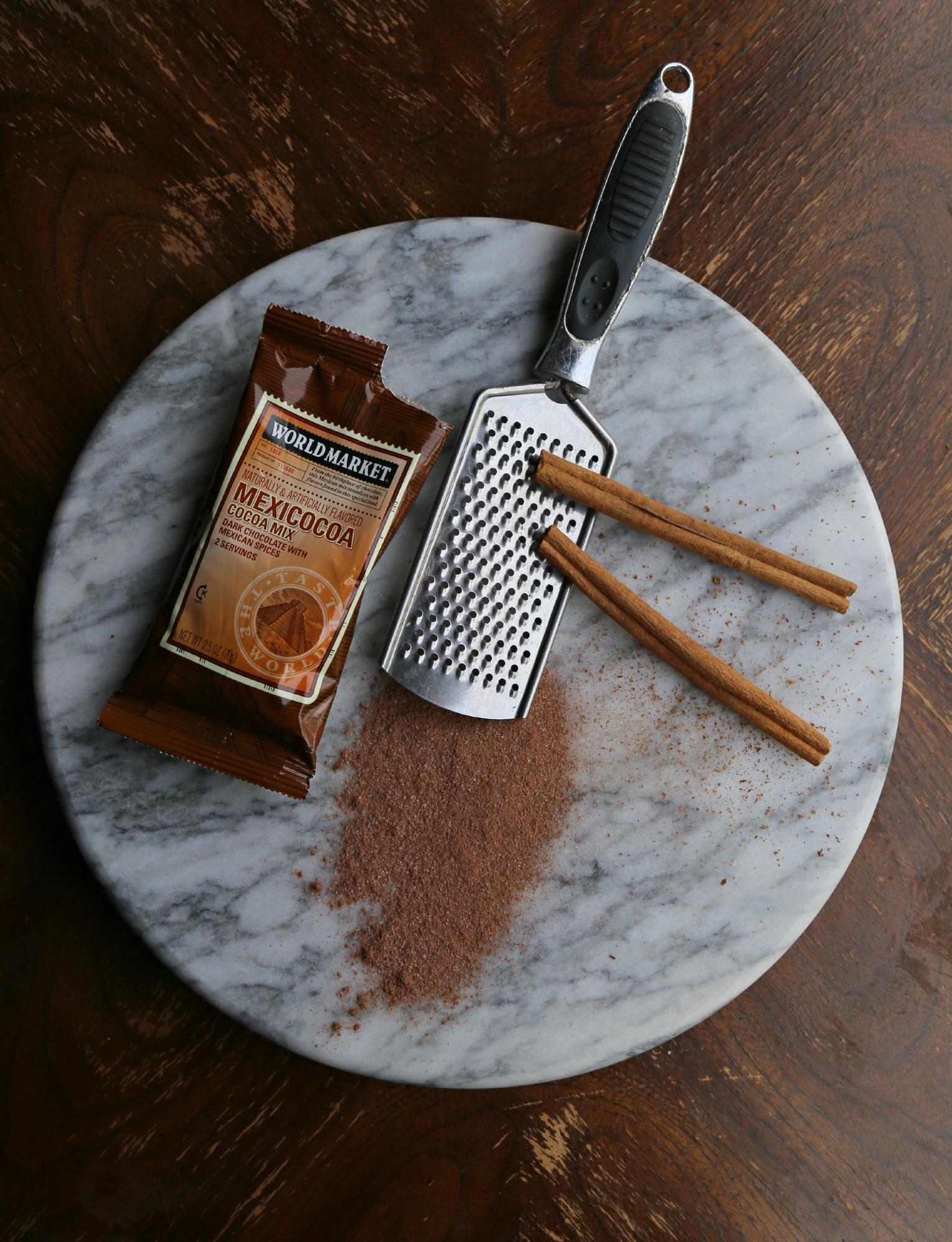chocolate-cream-cheese-frosting-VianneyRodriguez-sweetlifebake