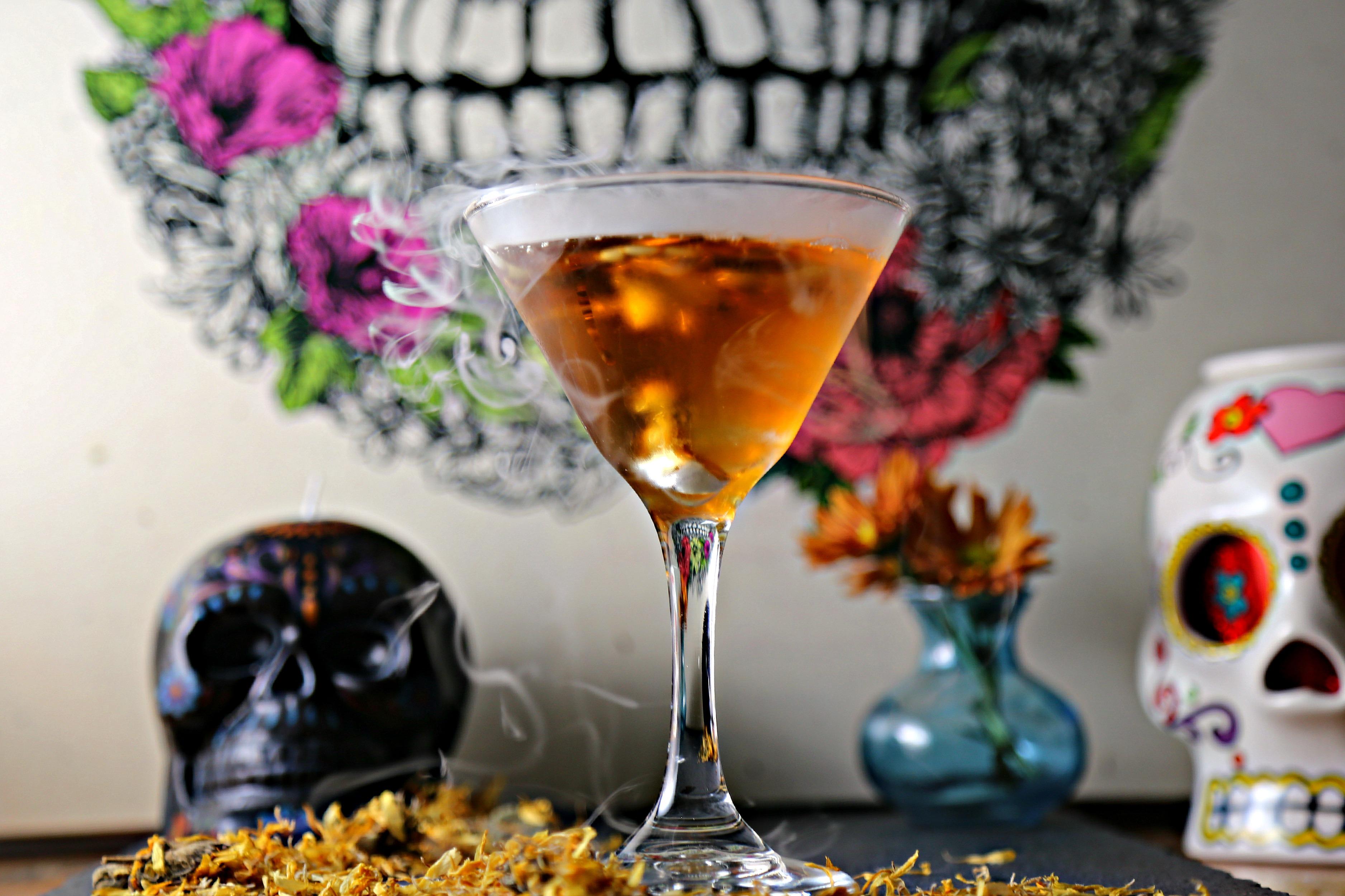 day-of-dead-martini-dia-de-los-muertos-martini-cocktail-vianneyrodriguez-sweetlifebake