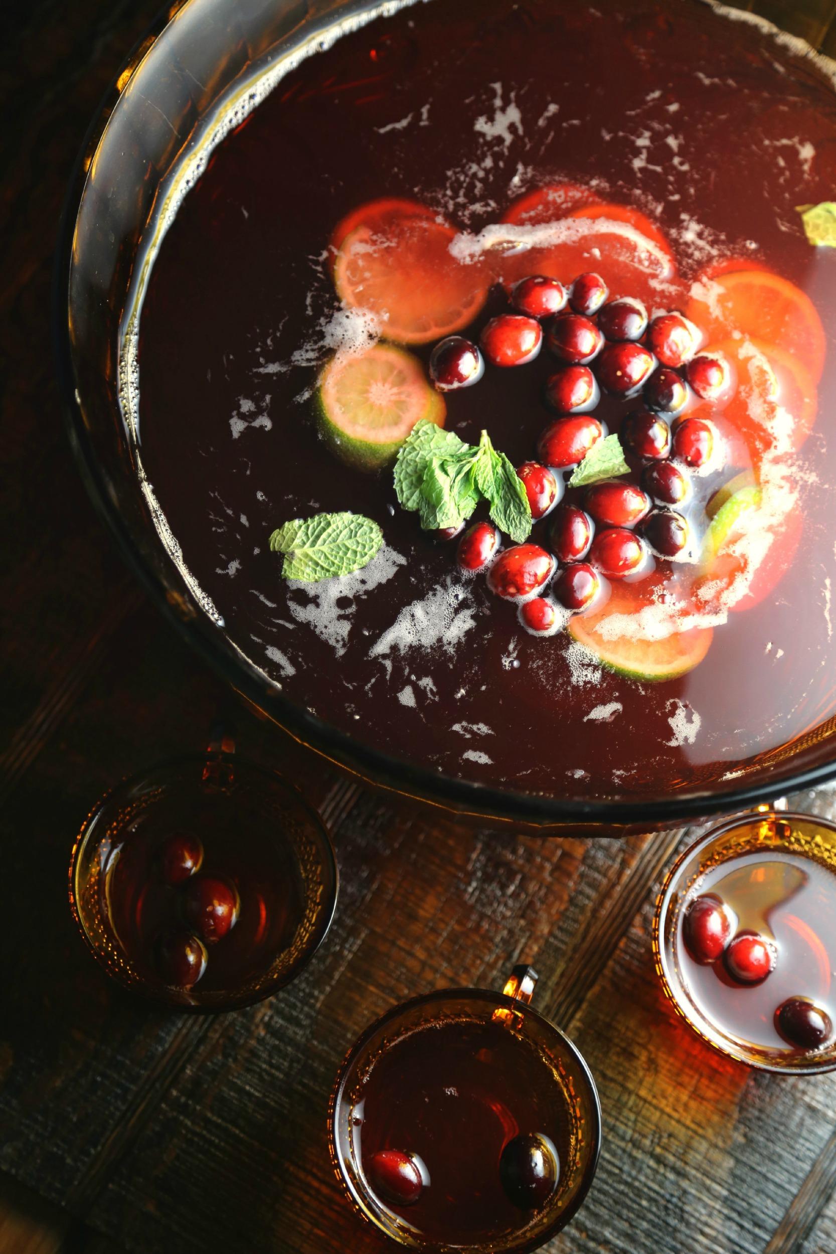cranberry-holiday-punch-pisco-vianneyrodriguez-sweetlifebake