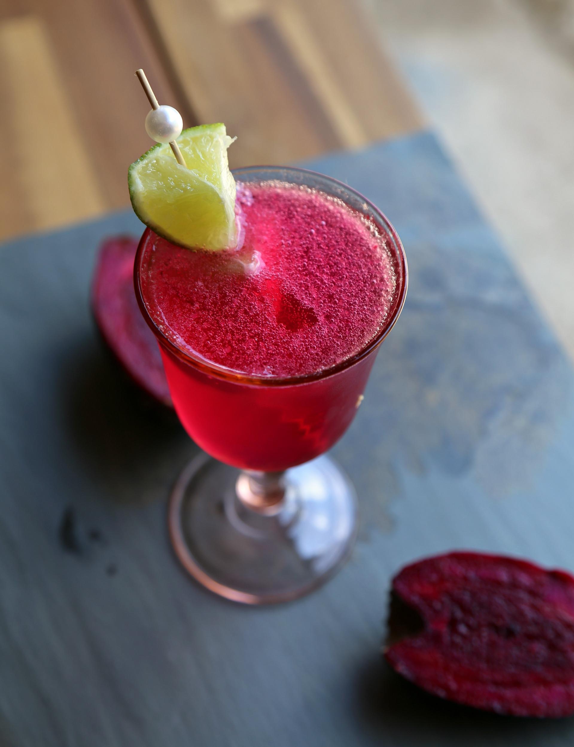 prickly-pear-champagne-punch-vianneyrodriguez-sweetlifebake