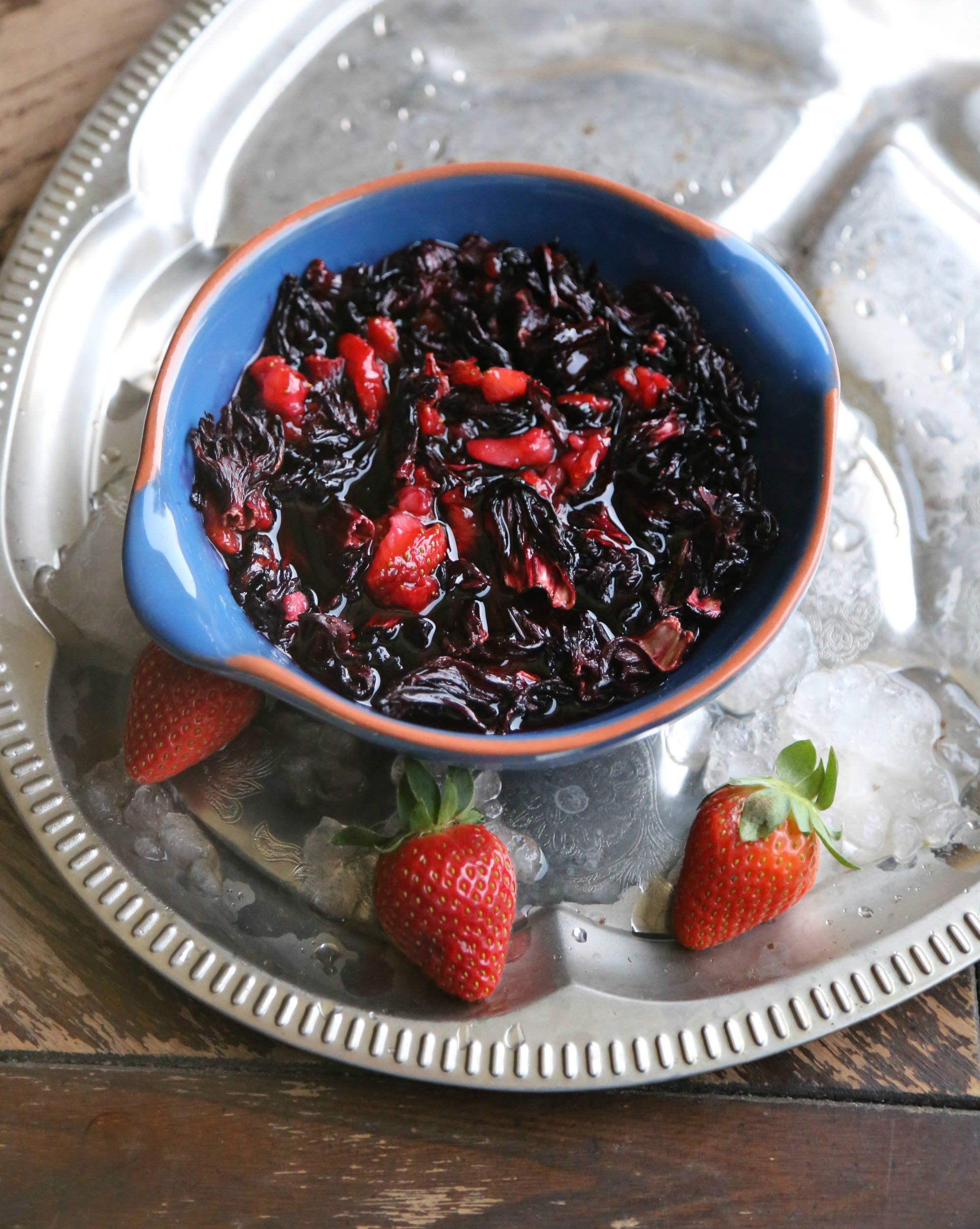 hibiscus-strawberry-syrup-cocktail-vianneyrodriguez-sweetlifebake
