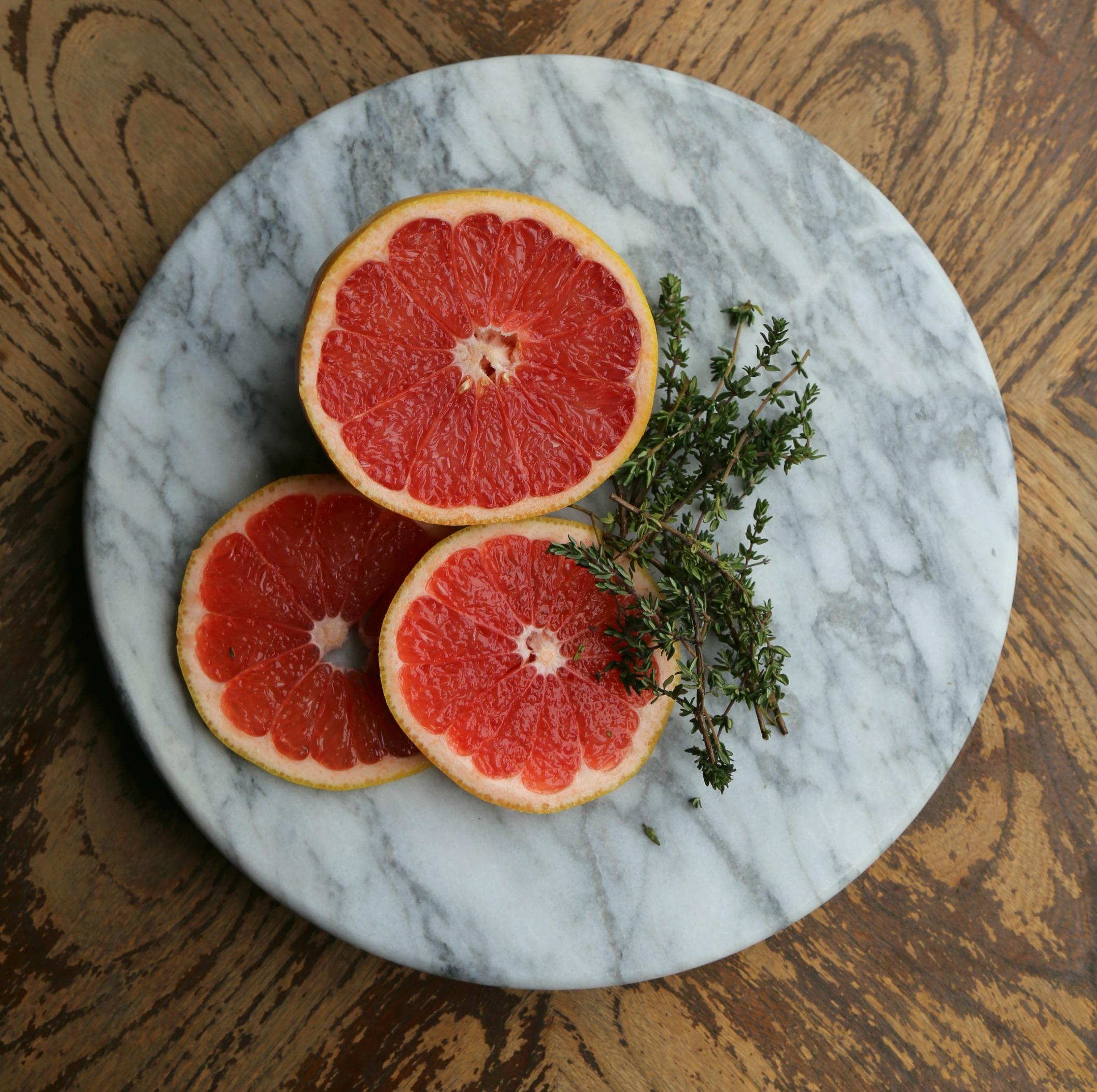 grapefruit-thyme-mocktail-vianneyrodriguez-sweetlifebake
