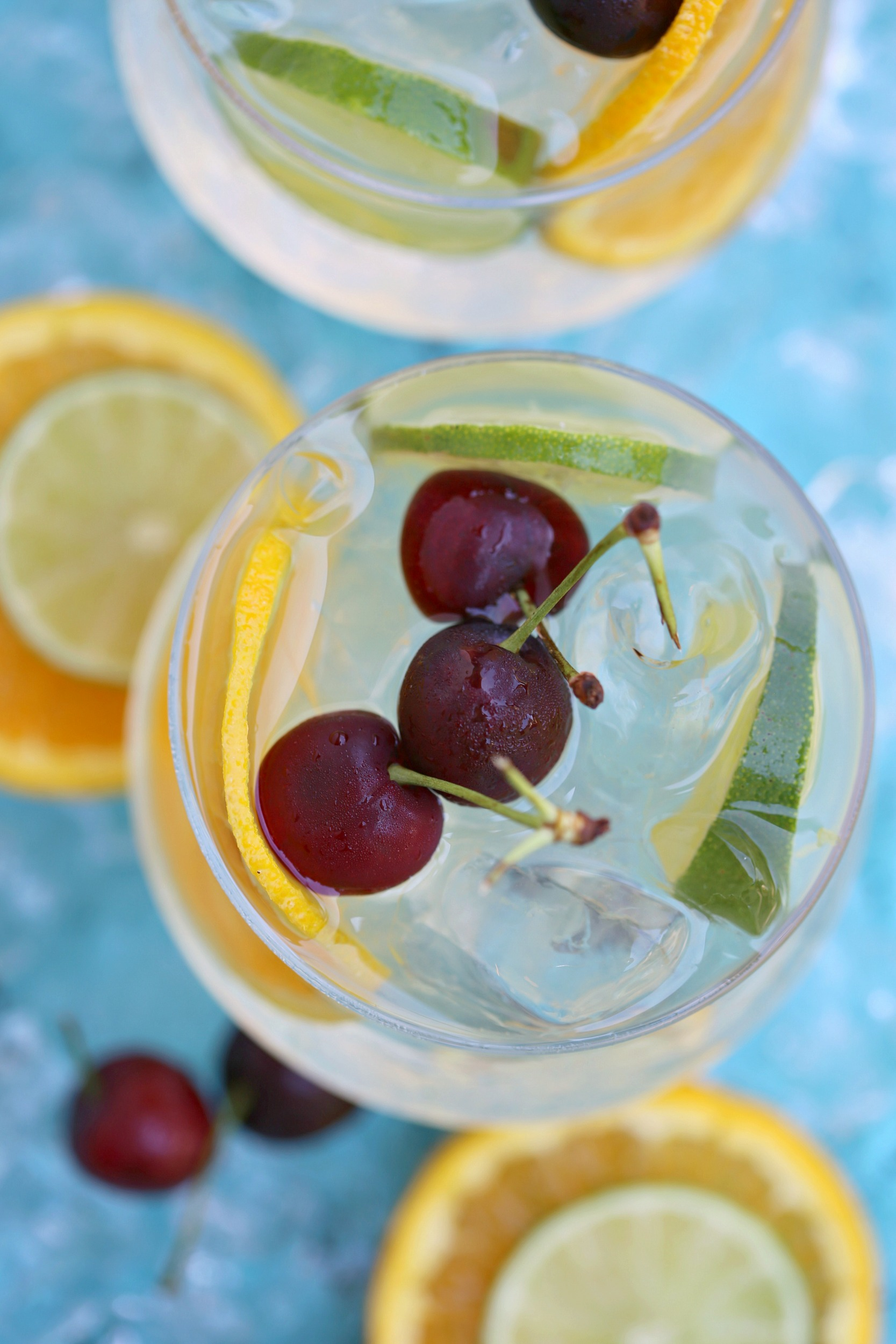 summer-coconut-citrus-sangria-cocktail-vianneyrodriguez-sweetlifebake