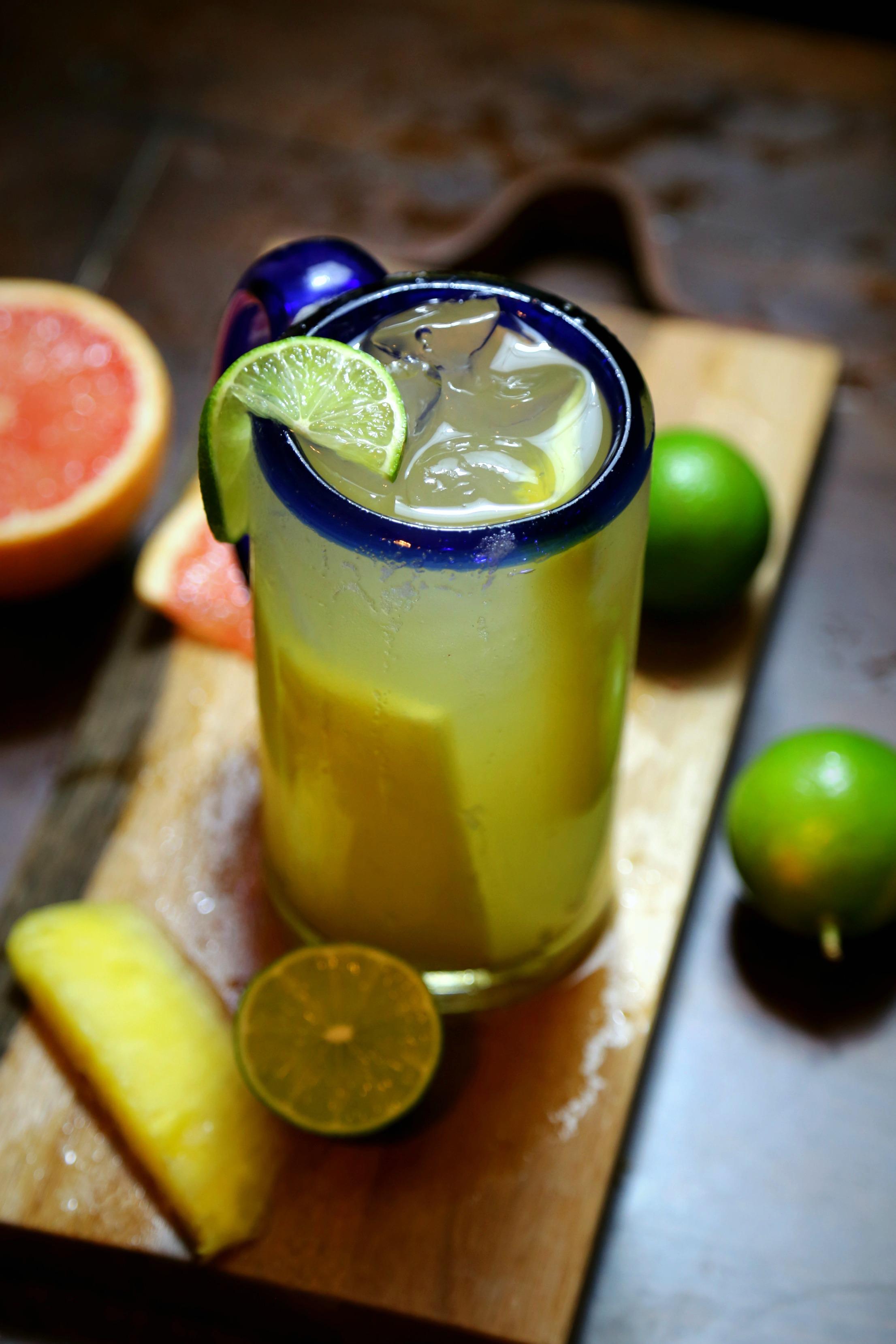 A Bubbly Life: Mango Jalapeño Margarita Cocktail Recipe