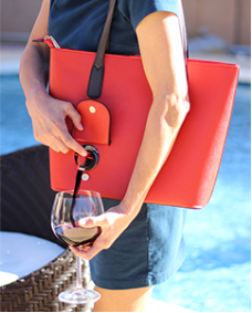 Bella Vita Wine Bag (bellavitabags.com)