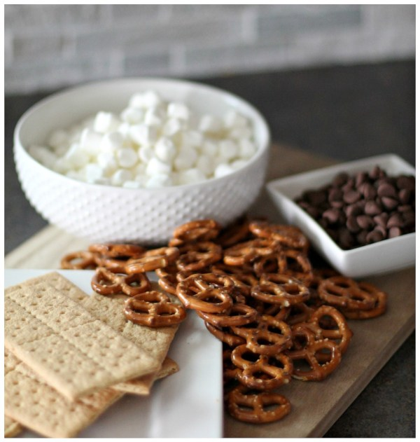Smores Pretzels ingredients