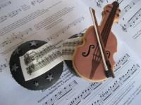 Cupcakes mucicales con violín de galleta
