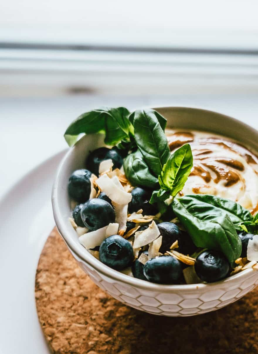 Peach Almond Basil Smoothie bowl #healthy #smoothie #paleo