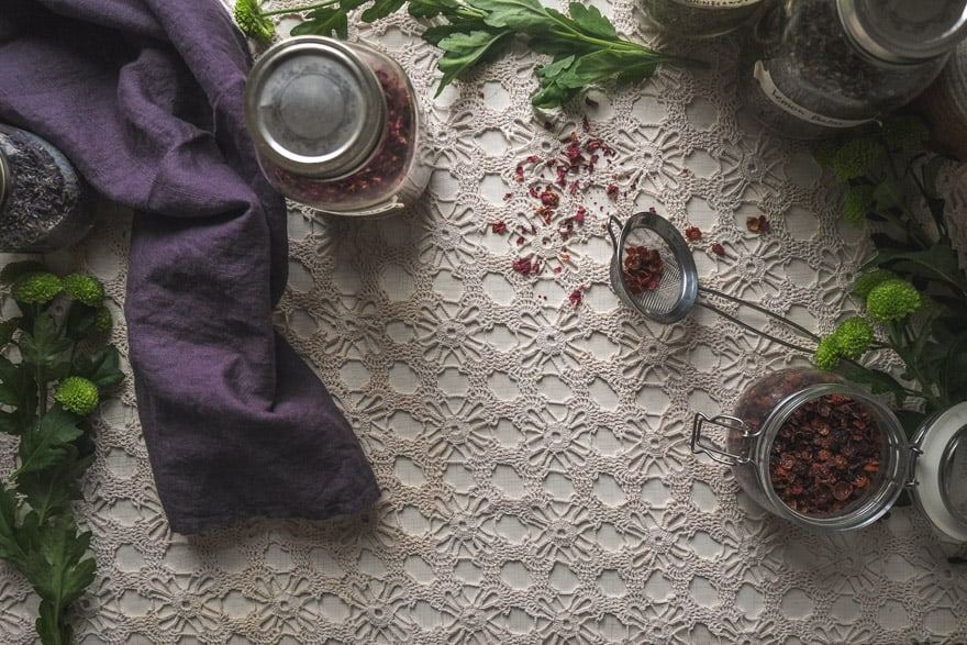 how to make a personalized herbal tea blend. #tea #apothecary #herbalmedicine