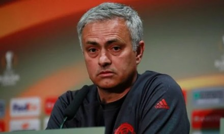 Manchester United Fans Beg Woodward To Sack Mourinho And Replace Him With Man Utd This Legend (See Tweets)