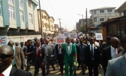 Insecurity: Adeboye leads thousands in a prayer walk
