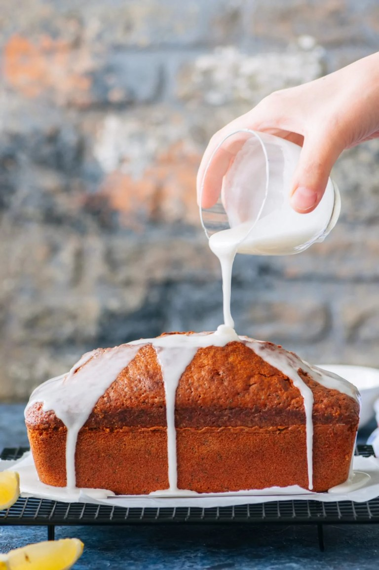 SWEETLY Lemon Drizzle Loaf