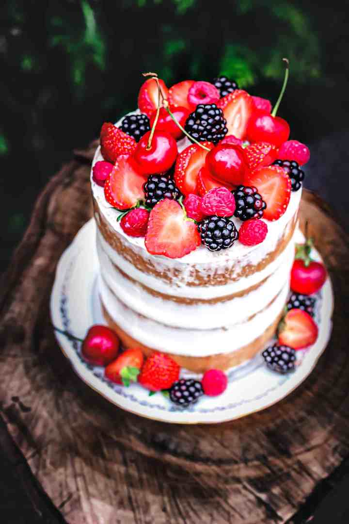 Simply naked cake aux fruits rouges