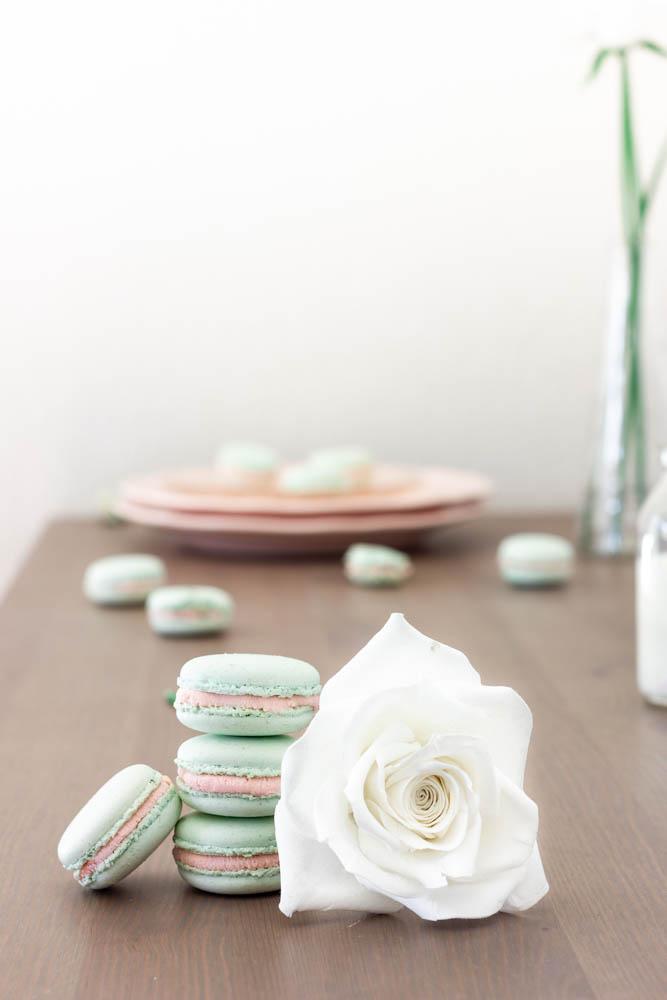 Macarons chocolat blanc & confiture de fraise
