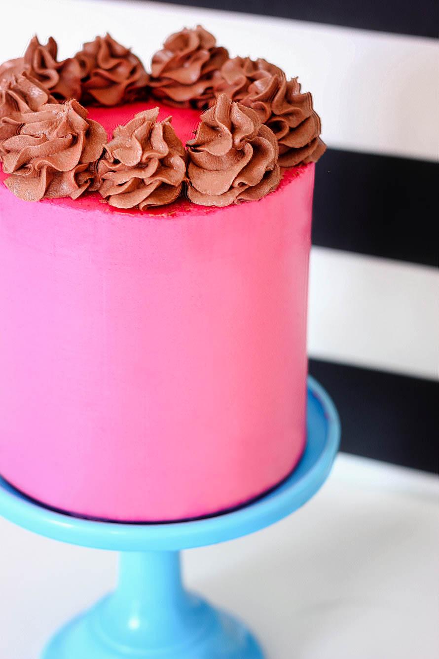 Layer Cake chocolat et crème à la framboise