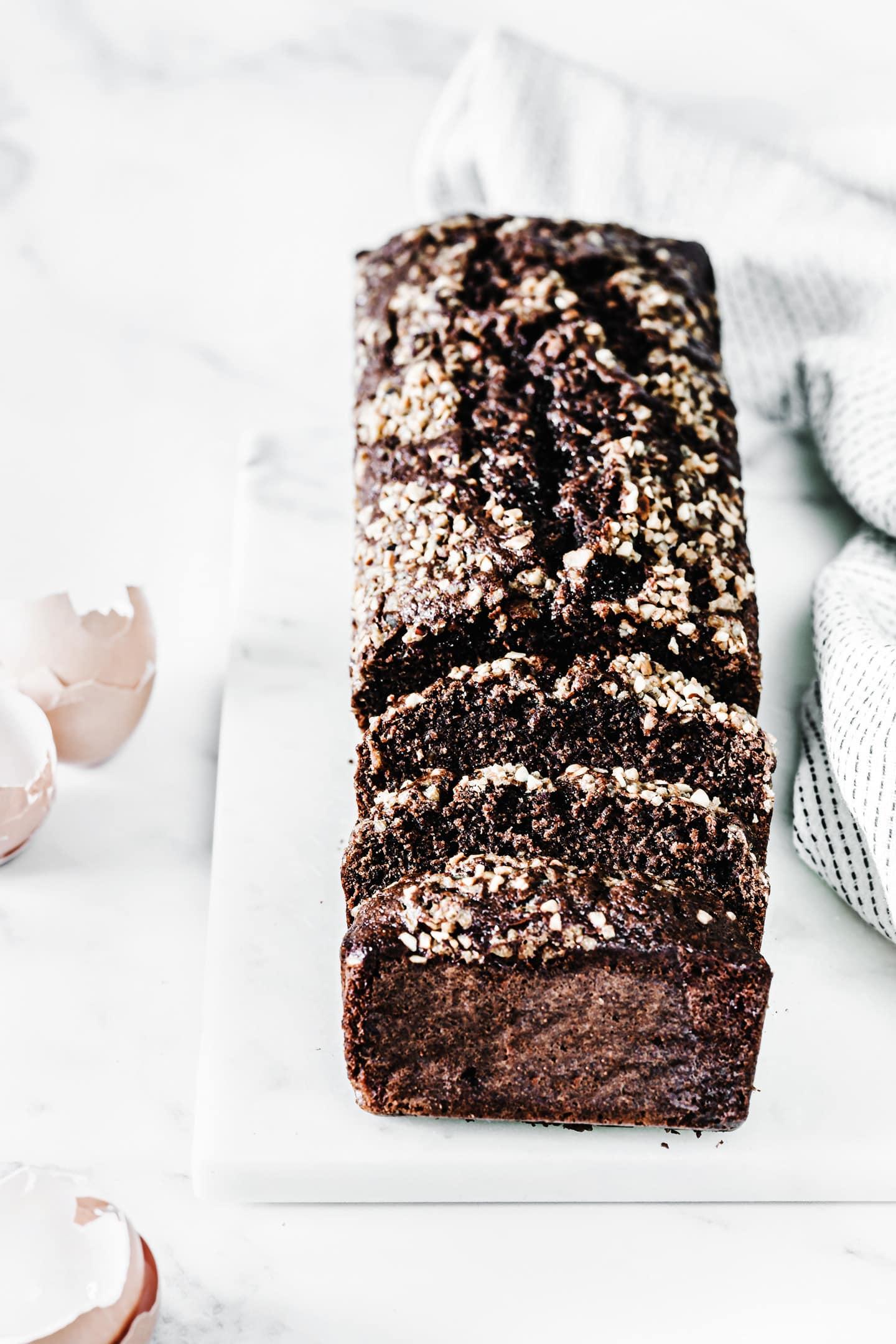 Best chocolate cake with hazelnut