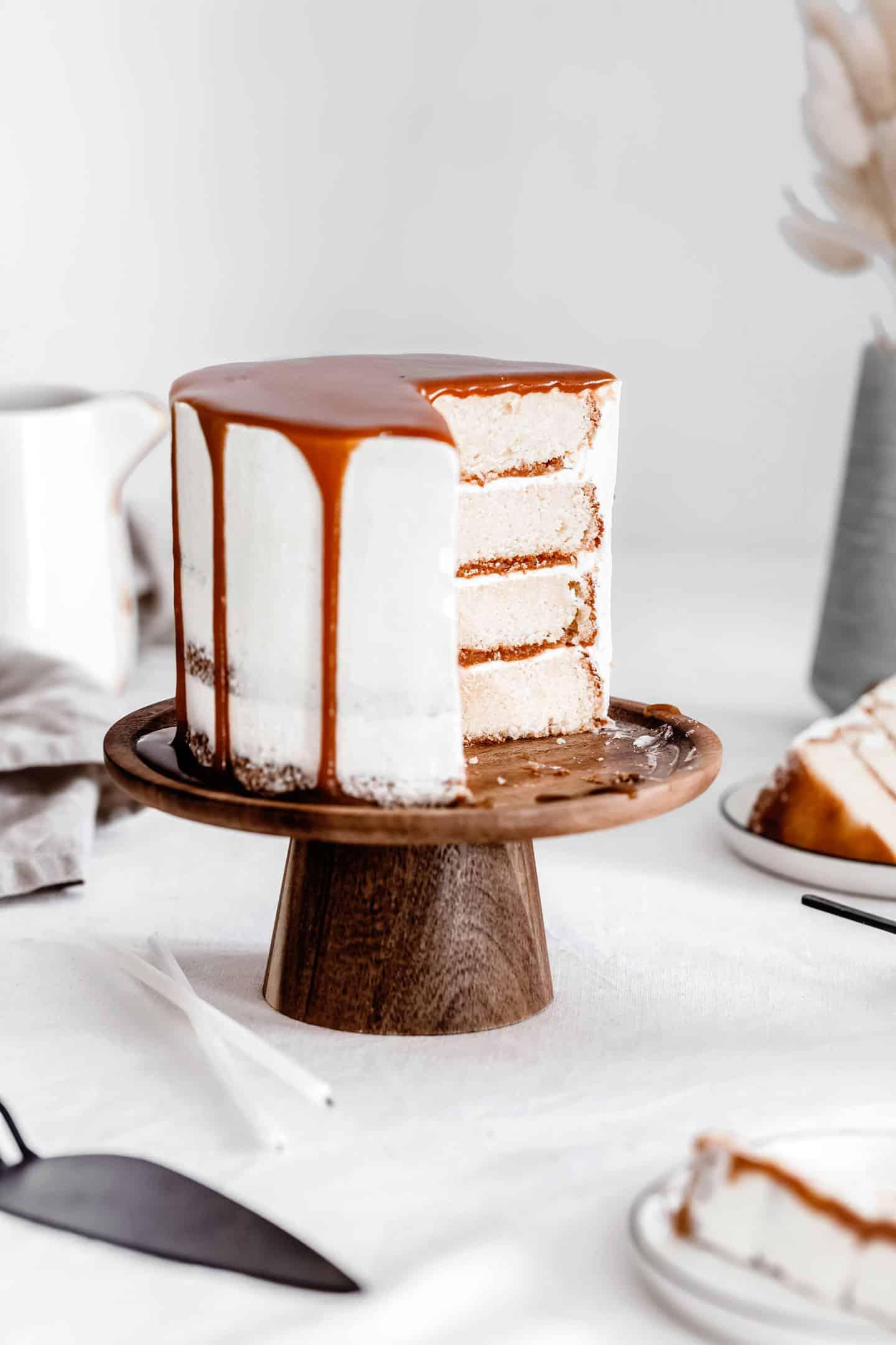 Layer cake vanille et caramel
