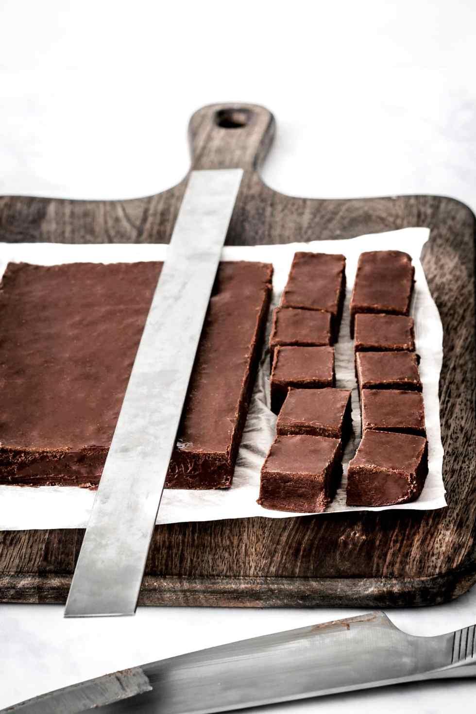 Dark chocolate fondant squares