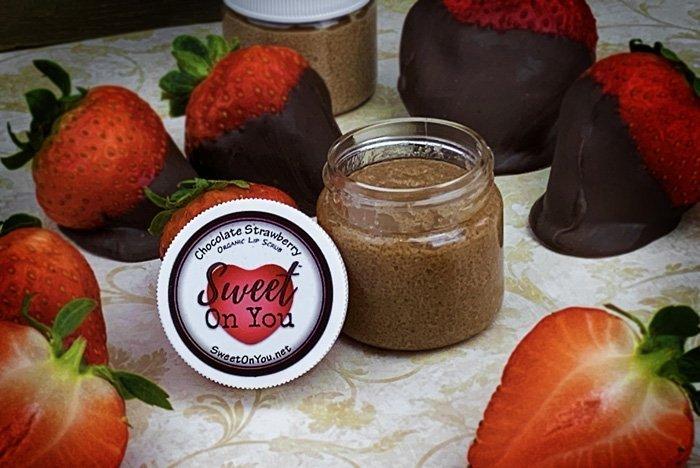Organic Lip Scrub Chocolate Strawberry