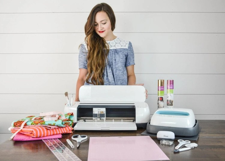 The all new Cricut Maker cutting machine features a rotary blade to cut fabric, a knife blade to cut wood and a fine blade to cut detailed fabric appliqués. Cricut Heat Press Easy Press makes iron-on HTV so easy!