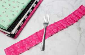 Create perfect pleats using a fork